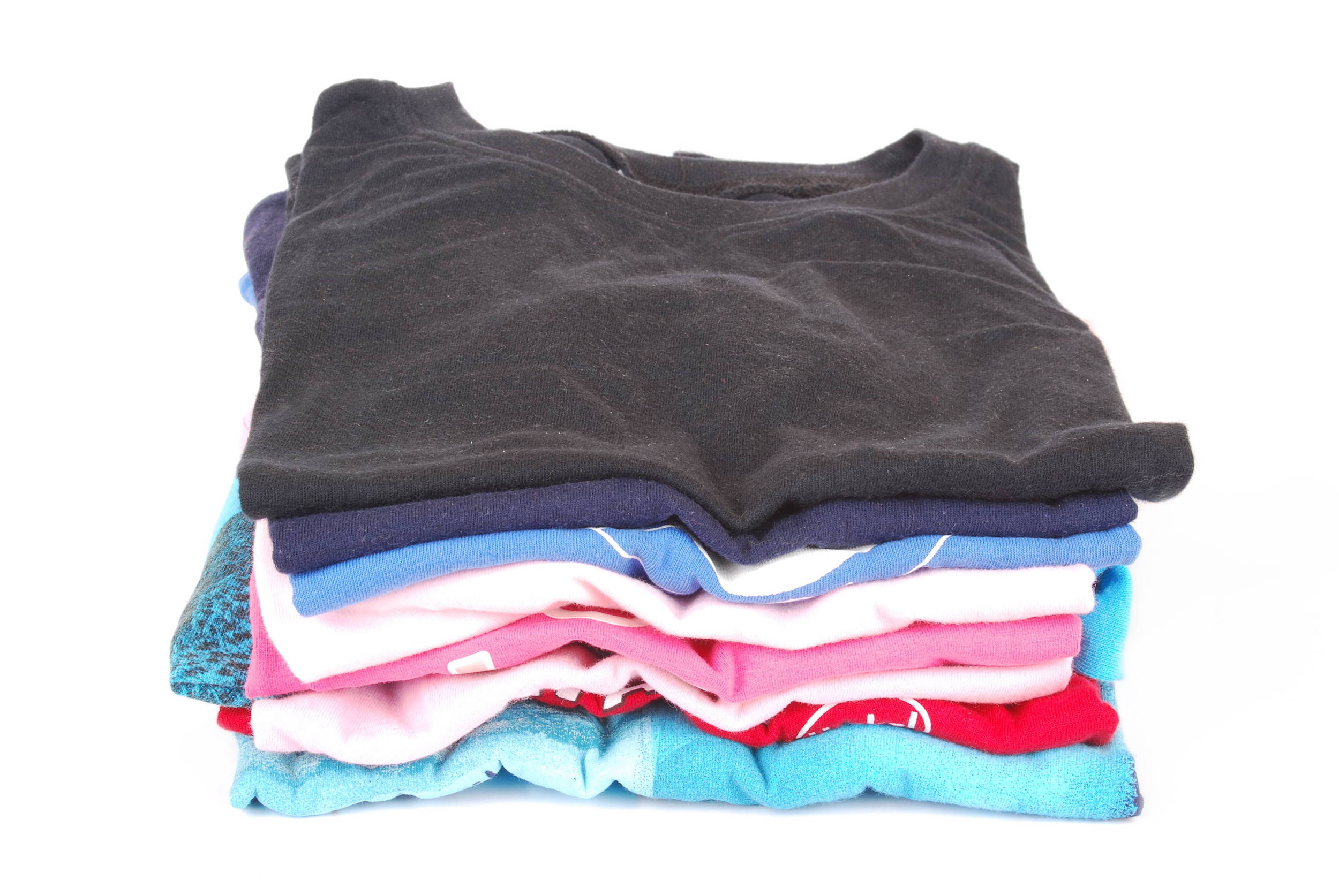 3 Reasons to Avoid Synthetic Clothing & Choose Natural Fabrics Instead
