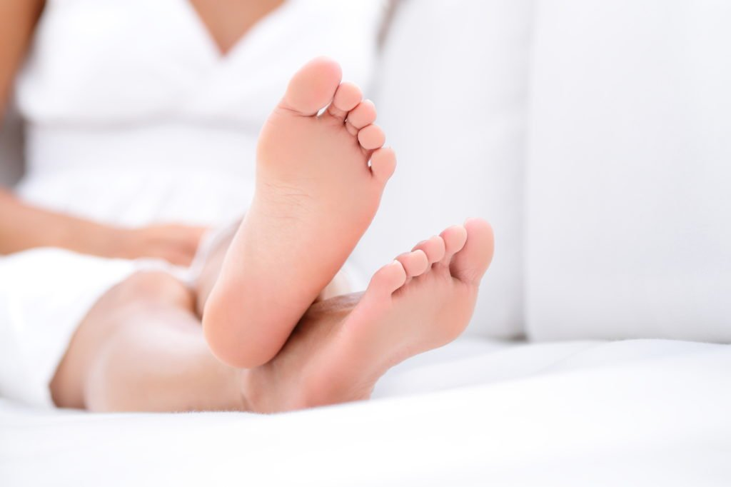 Home remedies for foot odor and natural ways to treat stinky feet. Reduce smell and bacteria and foot odor by treating your feet and socks and shoes.