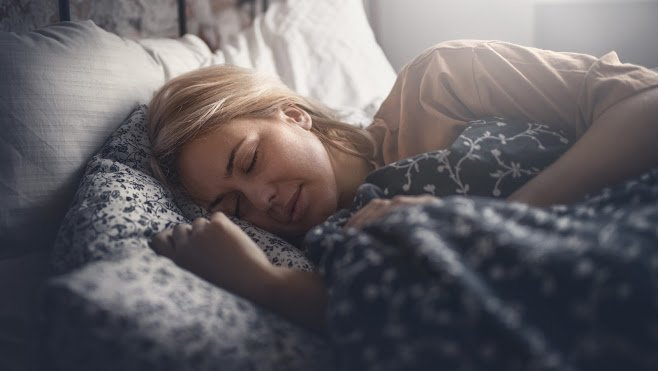 Hack Your Circadian Rhythm for Better Sleep at Night Naturally